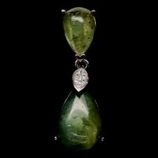 Подвес. Натуральный зеленый сапфир. Серебро 925.